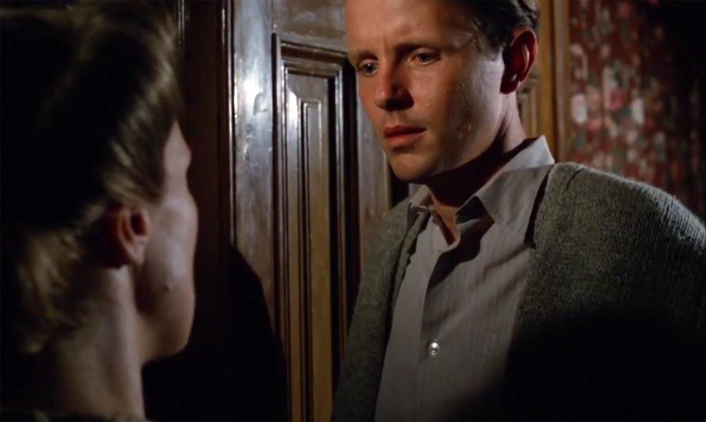 Der SS-Mann Erik Dorf im Gespräch mit seiner Frau.