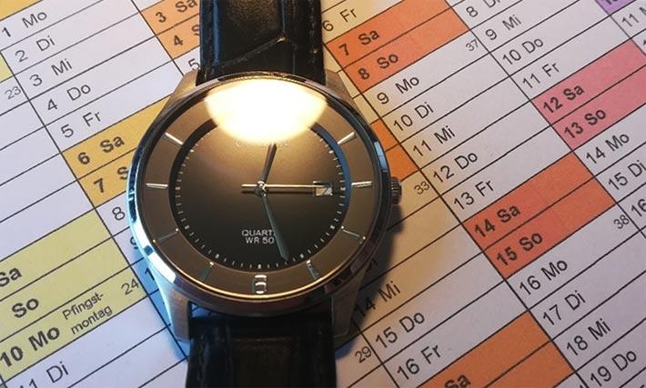 Uhren und Kalender für gestresste Männer
